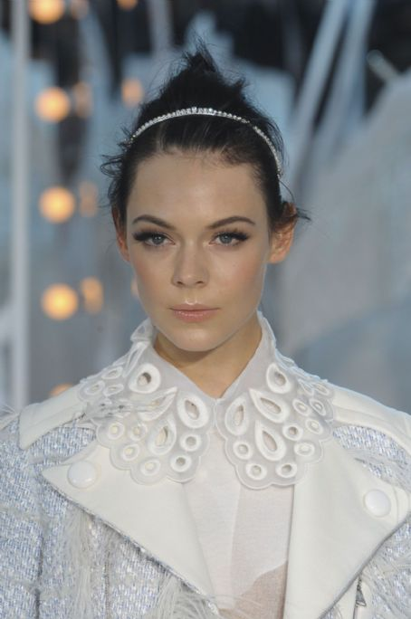Kinga Rajzak - Louis Vuitton S/S 12 Paris